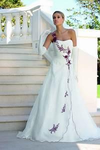 Schwarz Weiß Hochzeitskleid : hochzeitskleid weiss rot ~ Frokenaadalensverden.com Haus und Dekorationen