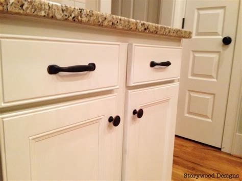 Chagne Bronze Kitchen Cabinet Hardware by 84 Best Images About Kitchen On Family Command