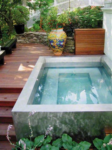 Belebende Gartengestaltung Mit Kleinem Tauchbecken Zum Entspannen by Belebende Gartengestaltung Mit Kleinem Tauchbecken Zum