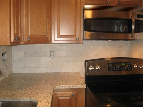 Cream Tile Backsplash : Subway Tile W/ Cream Cabinets??