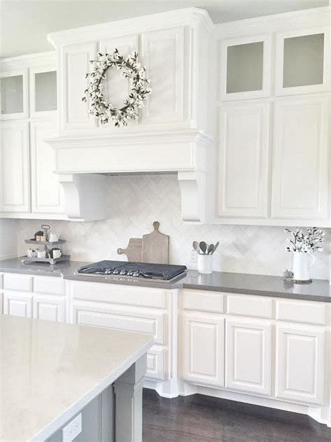 white paint color for kitchen cabinets sherwin williams