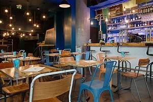 Cuisine Style Industriel Vintage : d coration industrielle dans le restaurant bar le trac ~ Teatrodelosmanantiales.com Idées de Décoration