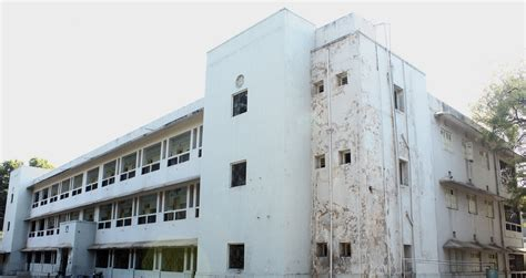 ld architecture file hostel building a l d college of engineering jpg wikimedia commons
