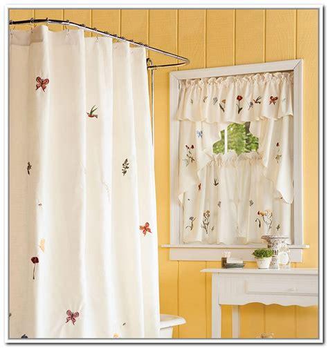 curtains for bathroom windows ideas small bathroom window curtain ideas 28 images do it