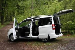 Ford Tourneo Courier Avis : ford tourneo courier spacieux et confortable pour le cycliste ~ Melissatoandfro.com Idées de Décoration