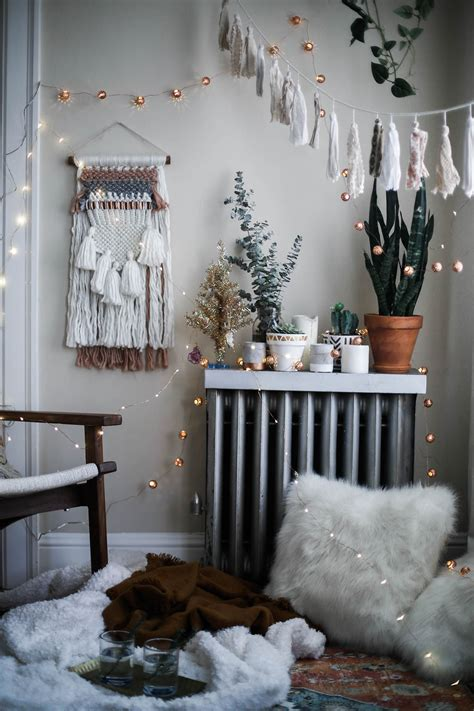 Plan your bedroom makeover with some of these decor ideas for master bedrooms and more! A Cozy Holiday with Urban Outfitters - Advice from a ...