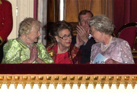 Olivia colman spielt elizabeth ii. Queen Elizabeth II.: SO stand die Queen wirklich zu ihrer ...