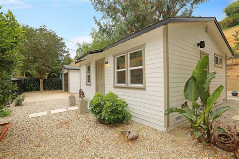 1327 El Paso Small House in Los Angeles