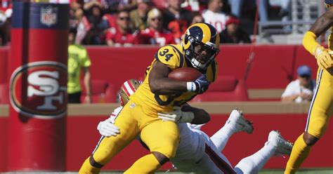 la rams rb malcolm brown headed   big  turf