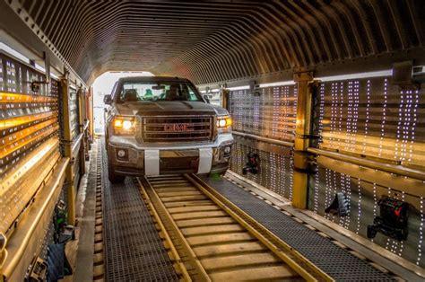 great pictures   silverado sierra loading  train