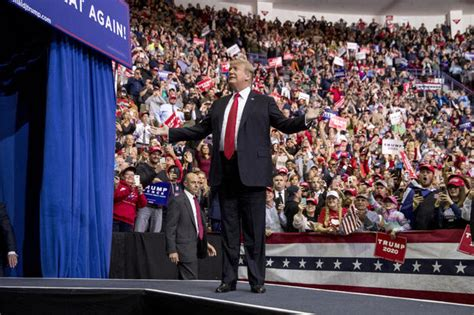 trump rally bay donald wisconsin stream maga today updates president saturday center wis arrives holds supporters resch complex april left