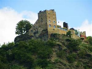German castle on the Rhine River | see the world | Pinterest
