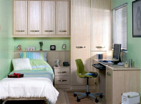 schlafzimmer ideen für kleine räume kleine r 228 ume einrichten 50 coole bilder archzine net