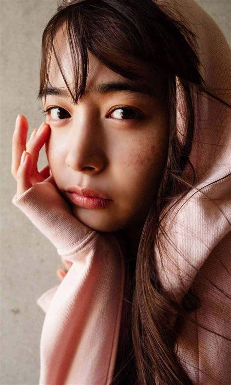 ปักพินโดย Kirana Rakaksorn ใน Igeta Hiroe