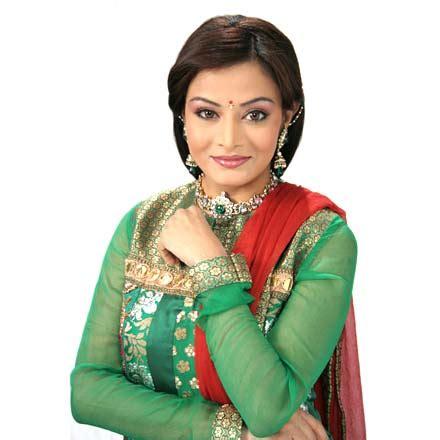 Celebrity Fun N Gossip: Aalesha purva talks about her ...