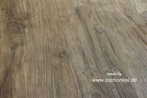 Tisch Aus Recyceltem Holz by Esstisch Aus Recyceltem Holz Mit Edelstahl Der Tischonkel