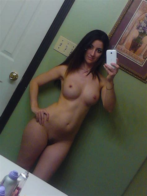 Busty tits and nice pussy on nude amateur girls iphone pics | Nude Amateur Girls