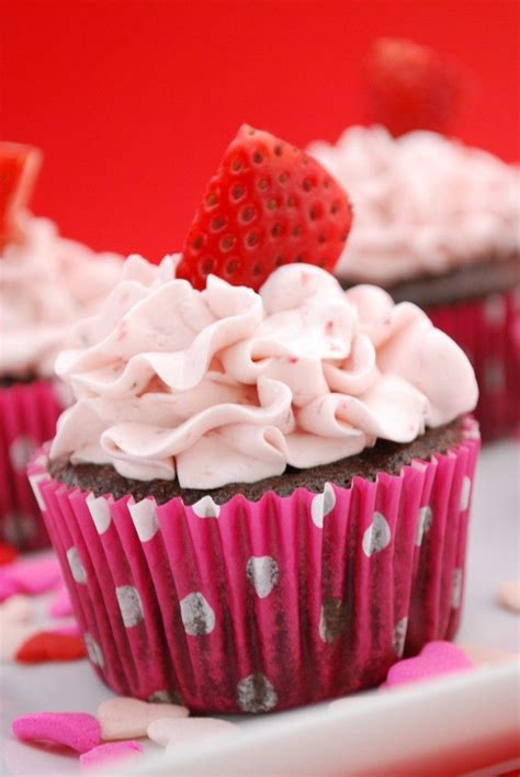 images  strawberry cupcakes  pinterest