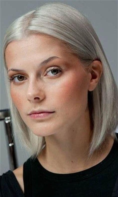 hair trend  spring silver blond