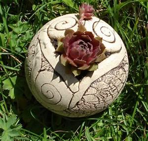 Keramik Für Den Garten : k nstlerische keramik f r haus und garten home ~ Buech-reservation.com Haus und Dekorationen