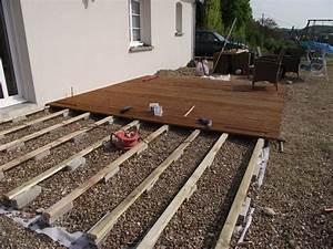 construire une terrasse en bois sur terre pose d plots With pose d une terrasse bois sur plots