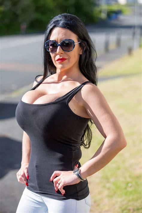 Big Round Fake Tits Pics Black Lesbiens Fucking