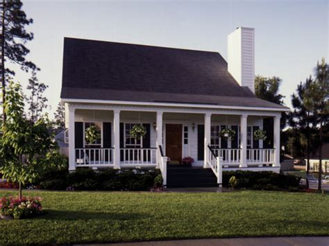 covered front porch blacksburg country cottage home plan 024d 0043 house
