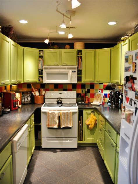 bright green kitchen 57 bright and colorful kitchen design ideas digsdigs 1799