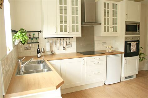 cuisine ikea creme how to tile bathrooms or kitchens metro or subway