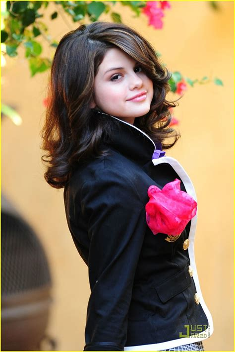 Selena Gomez Year Old In Beautiful Dress Pictures
