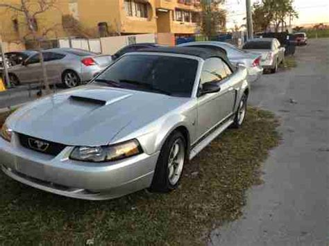 sell   ford mustang gt  anniversary silver