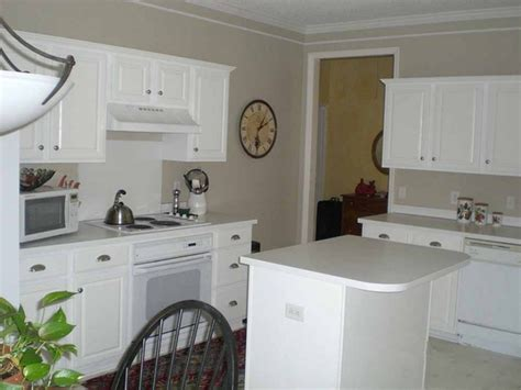 Kitchen Cabinet Knob Placement by Kitchen Cabinet Knob Placement