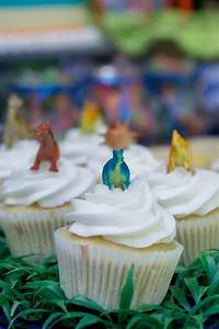 Mini, Dinosaurs, On, White, Iced, Cupcakes, Such, An, Easy