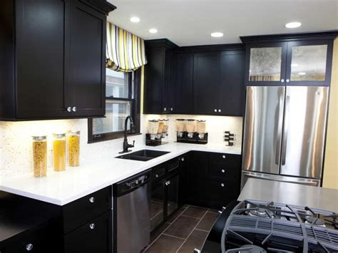 Nice Kitchen Design With White Countertops And Black