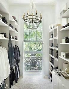 Begehbarer Kleiderschrank Weiß : begehbarer kleiderschrank planen 50 ankleidezimmer schick einrichten ankleidezimmer ~ Orissabook.com Haus und Dekorationen