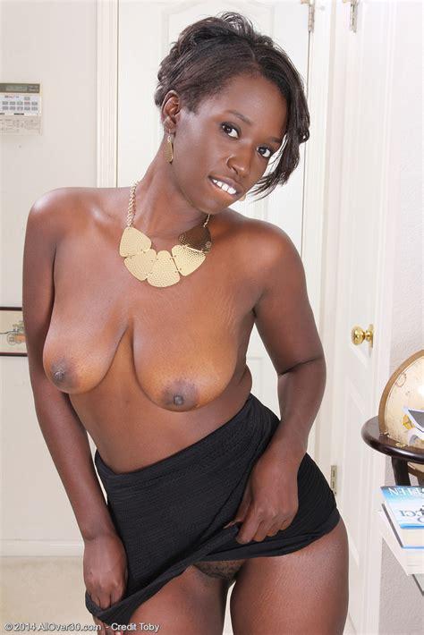 fine ebony milf sayanna monroe caress her miffy