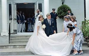 Est100 some photos caroline kennedy for Caroline kennedy wedding dress
