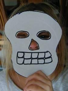 Masque Halloween A Fabriquer : masque de squelette pour se d guiser pour halloween ~ Melissatoandfro.com Idées de Décoration