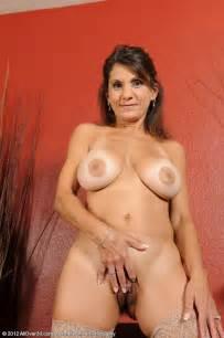 Charming Housewife Tori Baker Flick Her Clit MILF Fox