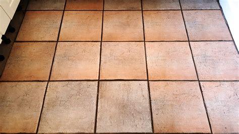 ceramic kitchen floor tiles and terracotta window sills