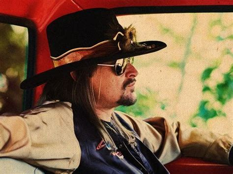 kid rock calls camouflaged trailer home   tennessee