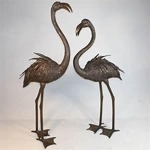 Statue Flamant Rose : pair of bronze flamingo fountain ~ Teatrodelosmanantiales.com Idées de Décoration