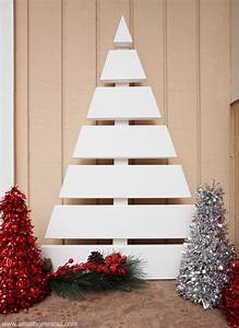 Wooden Christmas Tree - A Fun DIY Project - Small Home Soul