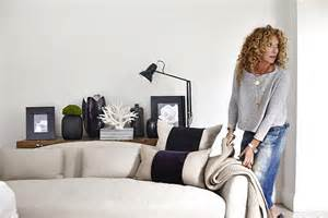 Join Kelly Hoppen's Christmas Masterclass and create your