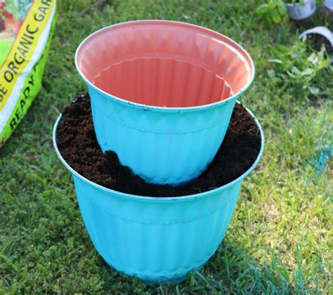 how to make your own diy flower pot solar light planter