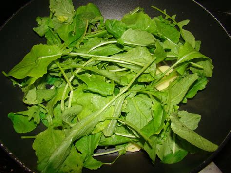 cuisiner les feuilles de radis espuma de fanes de radis le flo des saveurs