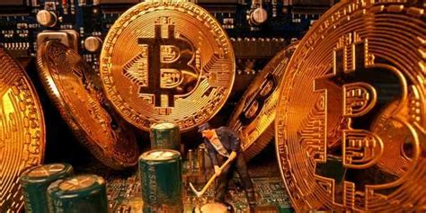 Bitcoin accounted for just 0.4% of the world's money. There's roughly $140 billion of inaccessible bitcoin right now - or 20% of the world's limited ...