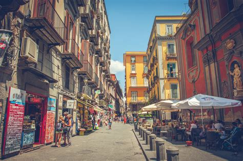 eat  naples italy   map