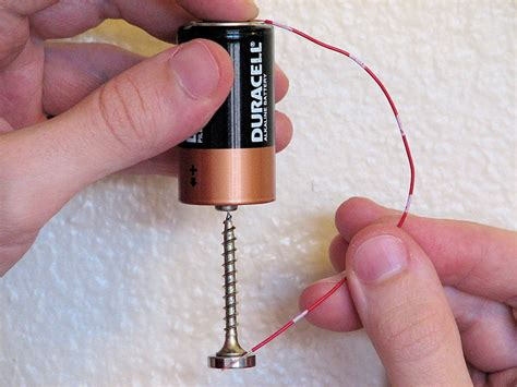 Simple Motor by Learn How To Make A Simple Motor