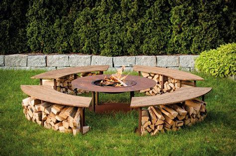 Sitzecke Mit Feuerschale by Offene Feuerstelle Im Garten Sp 252 Ren Sie Die W 228 Rme Und